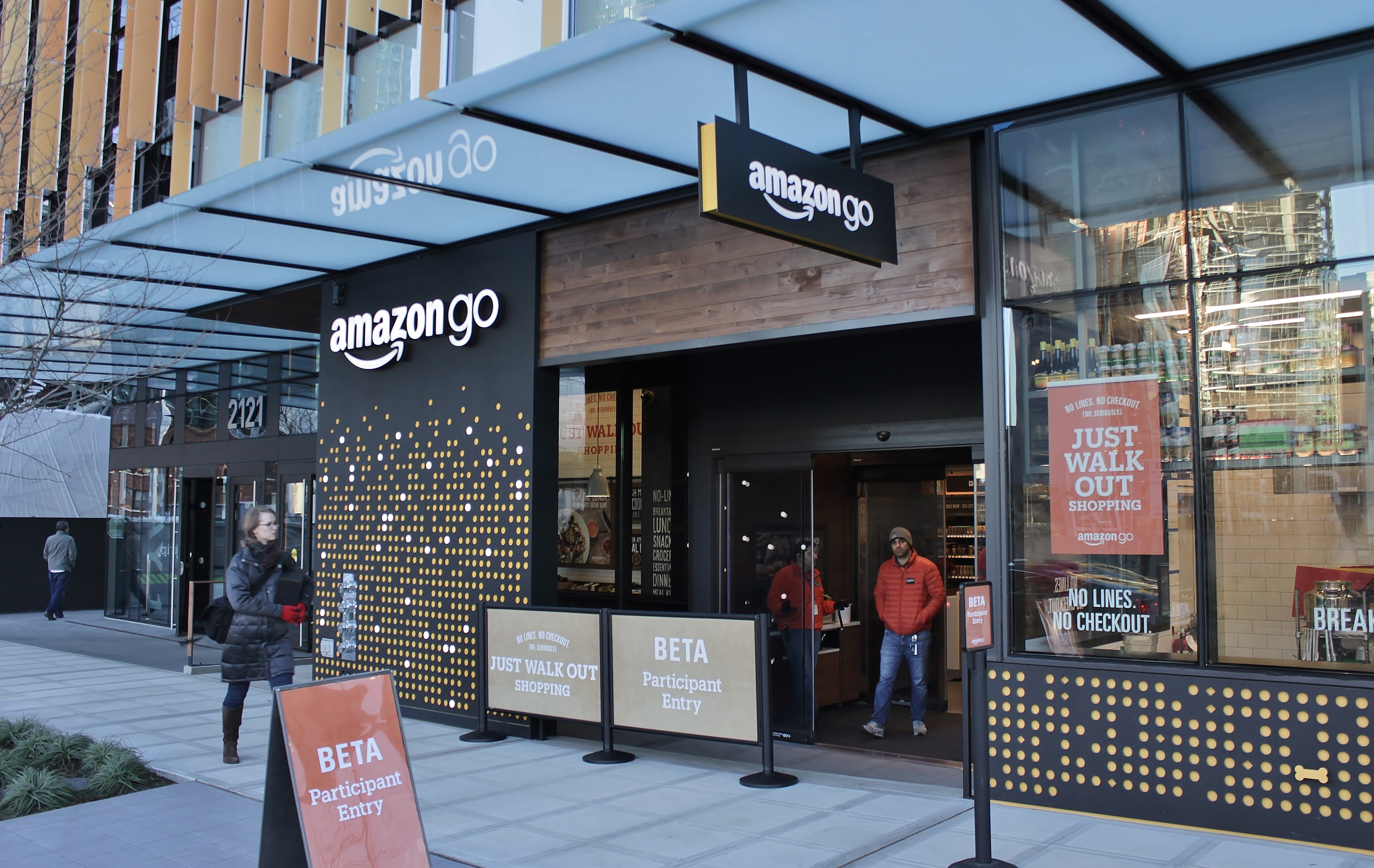 Amazon Go In Seattle December 2016